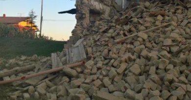 Terremoto, gli agricoltori marchigiani offrono cibo e trattori per rimuovere le macerie