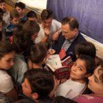 """Lo scrittore Nicaso agli studenti: """"Il bullismo è una forma di mafia"""""""