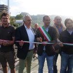 Ricci e Belloni aprono la ciclabile della Baia: «La più bella di Pesaro»
