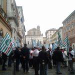 Scioperano nelle Marche i lavoratori pubblici e della scuola
