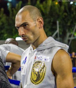 Roberto Bassi è pronto a conquistare il titolo italiano dei pesi medi