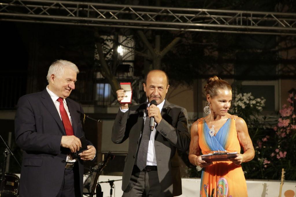 Amerigo Varotti premiato a Gabicce Mare con la Vela d'oro del turismo