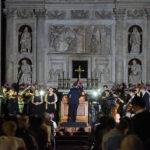 Black out in Basilica, a Loreto Stabat Mater di Pergolesi prosegue alla luce dei cellulari