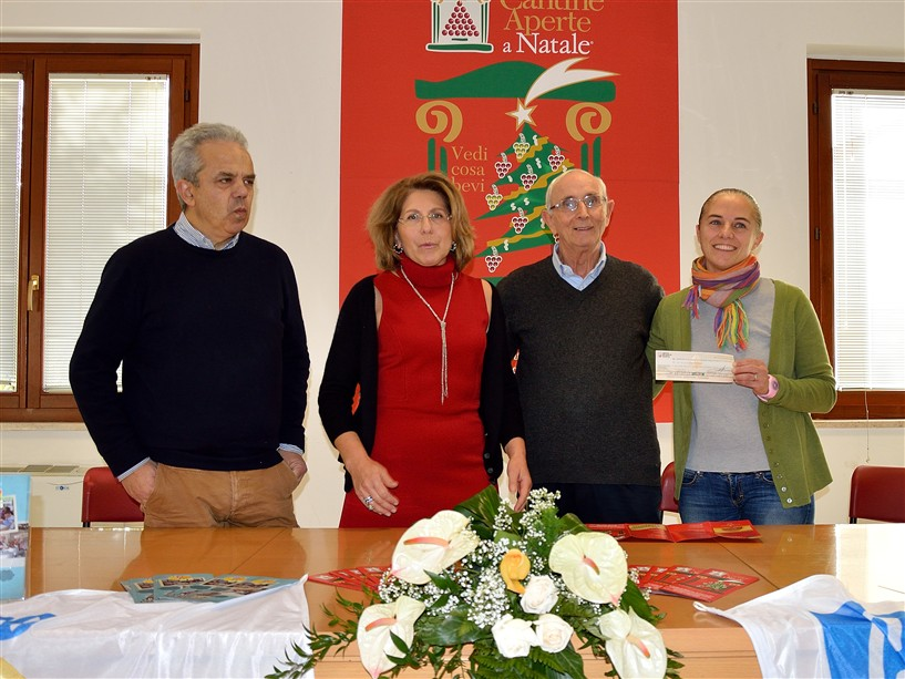 ANCONA / Nuovo pulmino per il Centro Papa Giovannni XXIII grazie al Movimento Turismo del Vino