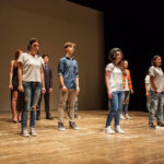 """Studenti sul palco per la IX """"Giornata provinciale della sicurezza nei luoghi di lavoro"""", tra commozione e spettacolo"""