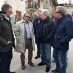 Diego Della Valle è di parola e firma ad Arquata del Tronto l'atto che dà il via alla costruzione di una nuova azienda
