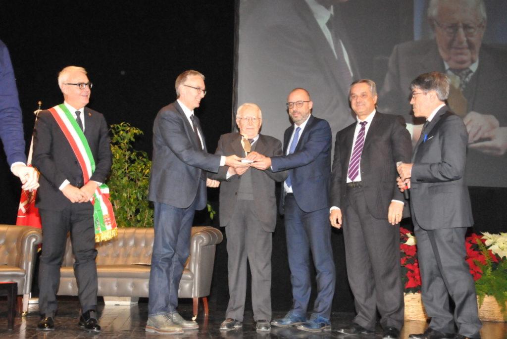 Il Picchio d'Oro assegnato a Giuseppe Zamberletti, fondatore della Protezione civile