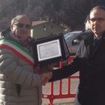 Terremoto, consegnati da Nuova Banca Marche 60mila euro al sindaco di Arquata del Tronto