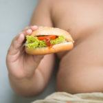Un bambino su tre è obeso, per le feste attenzione ai dolci