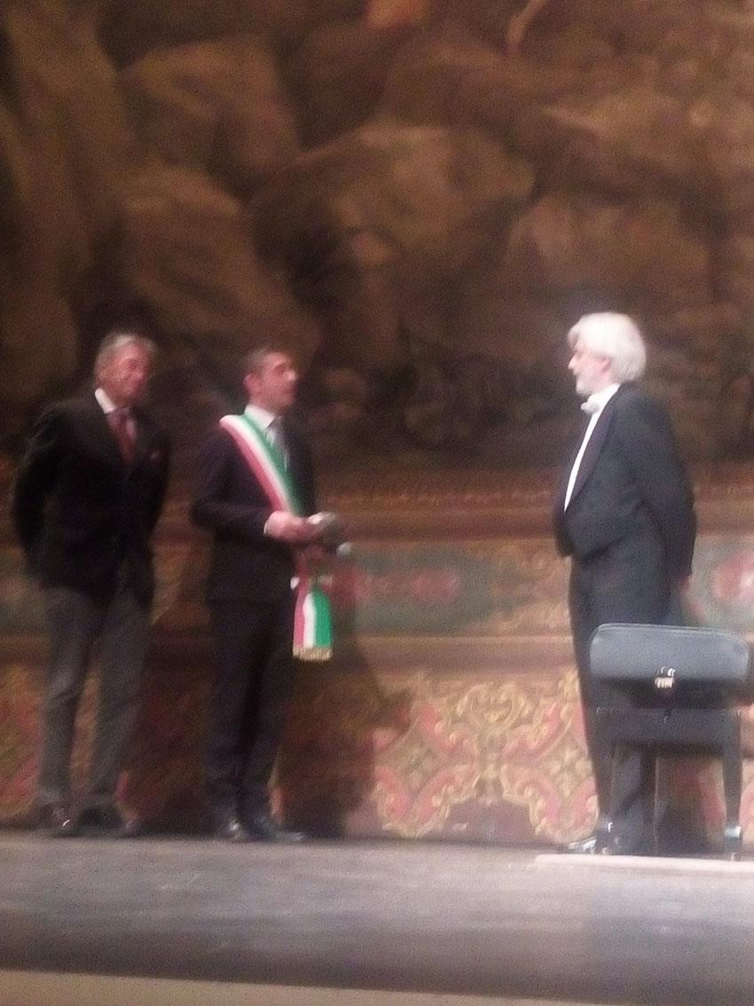 PESARO / Il concerto di Zimerman incanta il pubblico del teatro Rossini