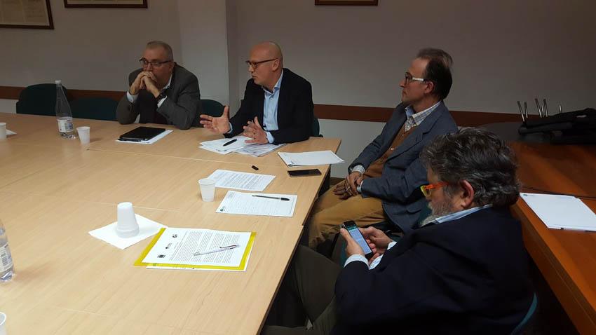 TERREMOTO / Dopo cinque mesi ancora pochi interventi, i sindacati lanciano l'allarme
