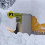 ARQUATA DEL TRONTO / I dipendenti dell'Ufficio postale più forti del sisma e della neve
