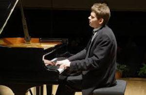 PESARO / Il giovane pianista russo Andrey Gugnin entusiasma il pubblico del teatro Rossini