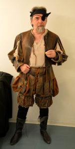 Ezio Maria Tisi, uno Sparafucile giramondo che ama le sue Marche