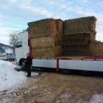 Il grande cuore dei marchigiani: raccolti altri 600 quintali di fieno per gli allevatori terremotati di Amandola