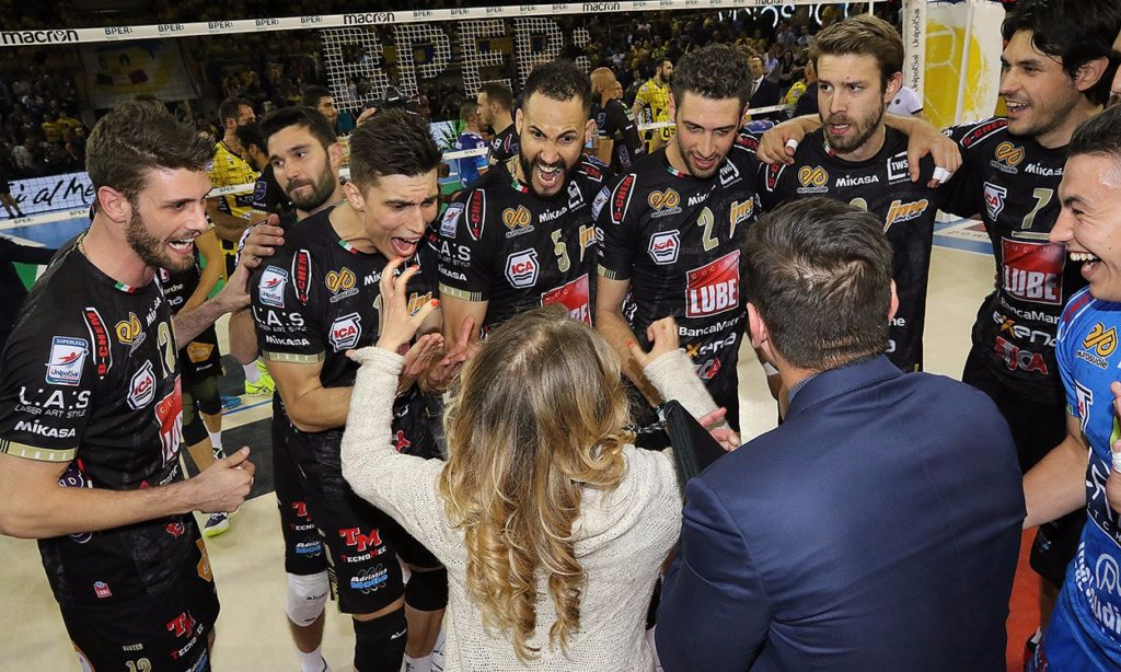 Al PalaPanini la Lube elimina Modena (3-2) e vola in Finale Scudetto
