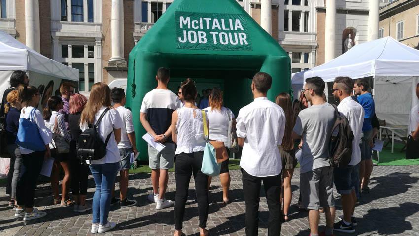 Il McItalia Job Tour fa tappa a Pesaro: in tanti per 15 posti di lavoro da McDonald's