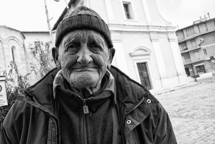 """Successo a Pollenza per la mostra fotografica """"MAI +Il sisma nel centro Italia tra volti e macerie"""""""