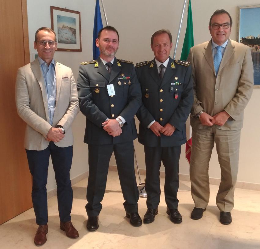 ANCONA / Visita dei vertici del Reparto aeronavale della Guardia di Finanza all'Autorità di sistema portuale