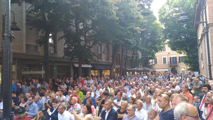 """Dalla Festa del Pd, Maria Elena Boschi rilancia: """"Due miliardi di euro per i progetti di riqualificazione delle città"""""""