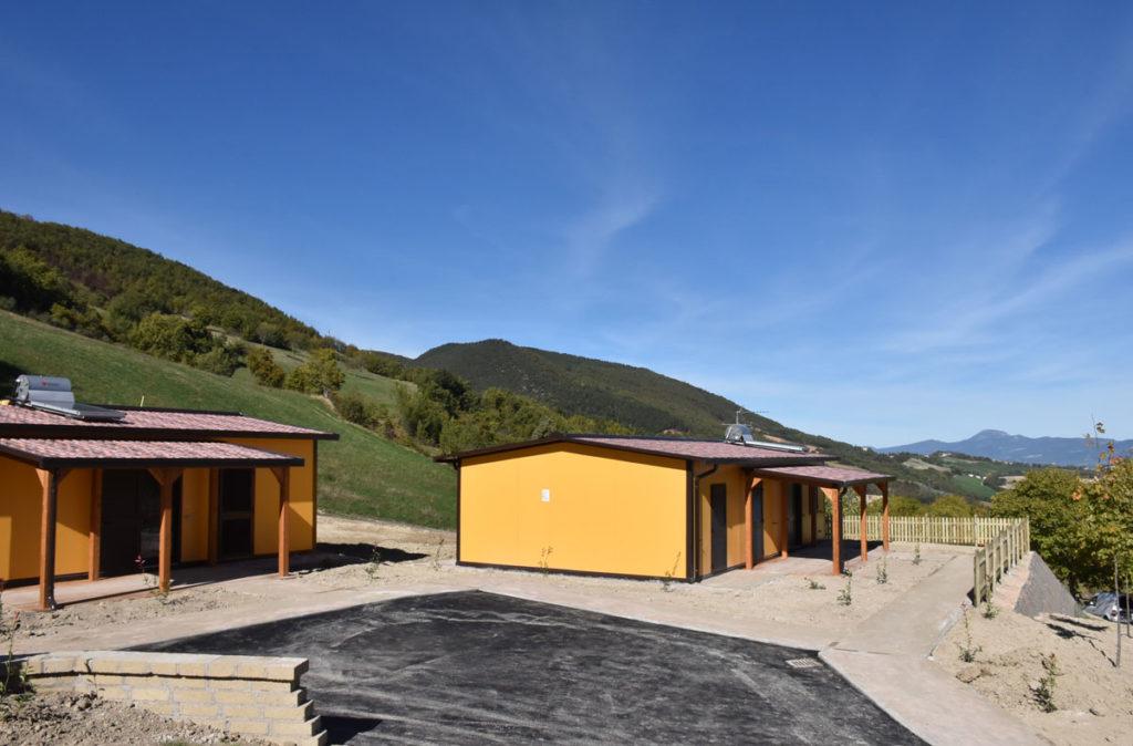 A Costafiore di Muccia prende forma un piccolo villaggio: ai terremotati assegnate altre sette casette