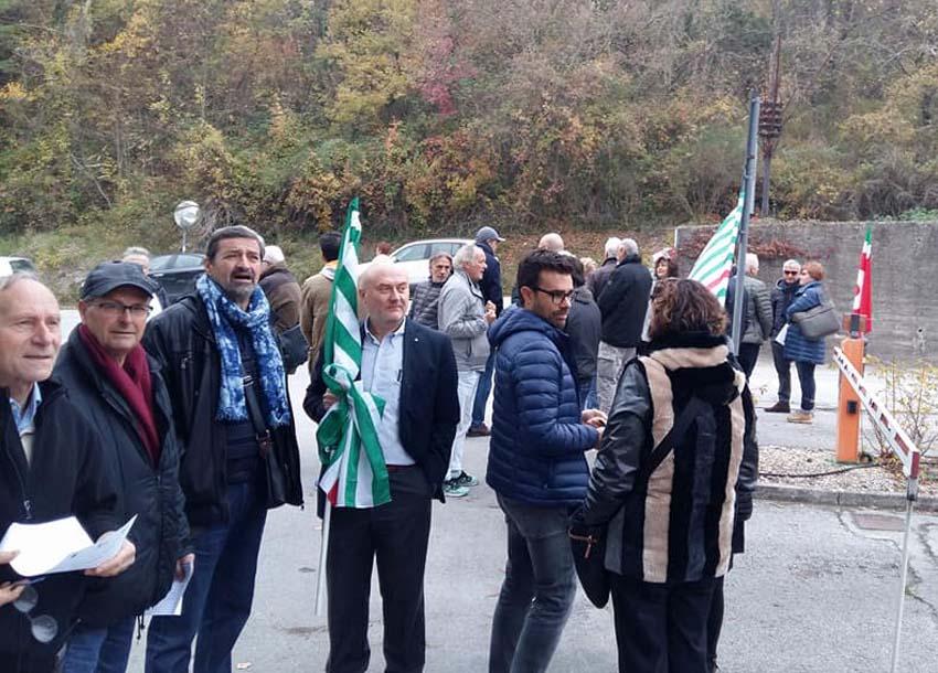 Dopo la riuscita manifestazione di Pergola, martedì mattina presidio per difendere la sanità marchigiana davanti all'Ospedale di Pesaro