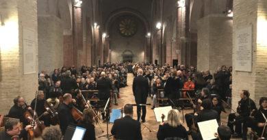Oltre 1500 persone all'Abbazia di Fiastra per ascoltare il Requiem suonato dalla Form