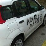 Scritte contro il Pd e la Regione sulla gestione del terremoto nelle Marche