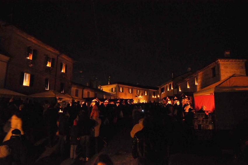 Candele a Candelara, record annunciato di presenze e stop agli ingressi per ragioni di sicurezza