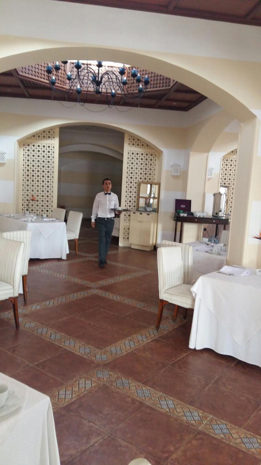 Italianità e marchigianità a tavola anche in Egitto grazie a Paolo Cocciolone
