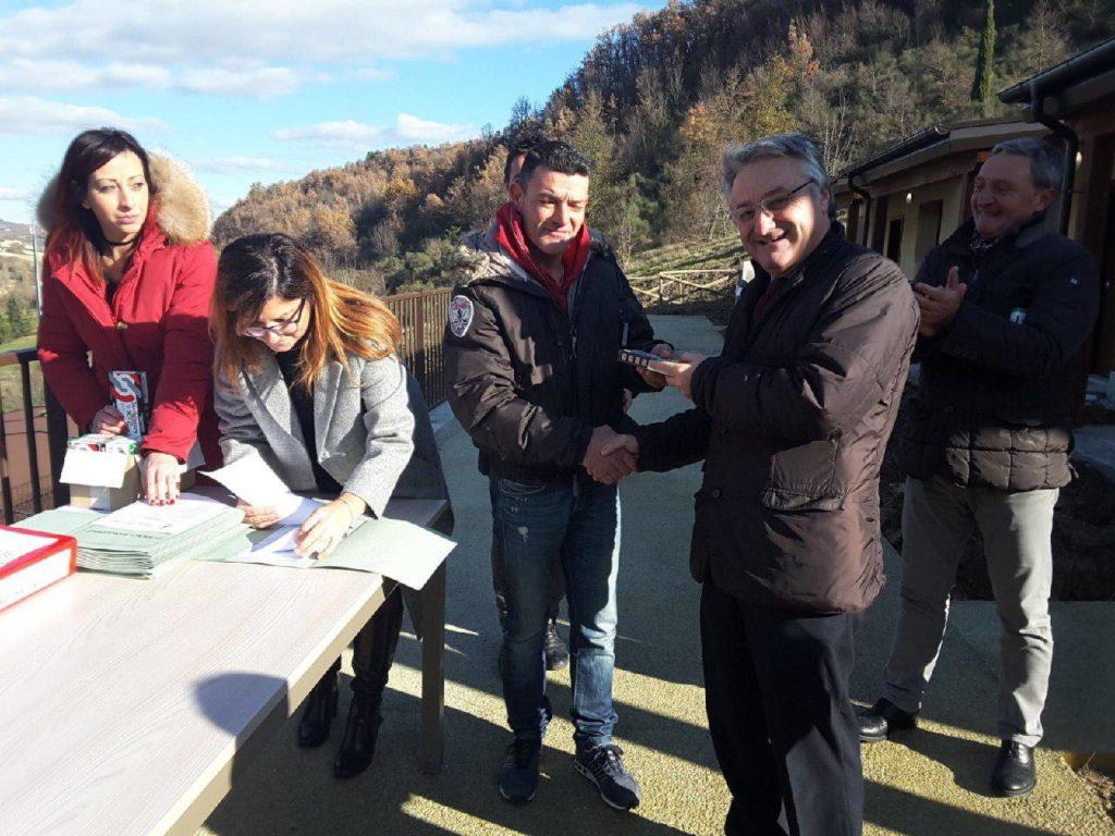 Piccolo passo avanti nel dopo terremoto: consegnate 52 casette a Muccia e 26 a Pieve Torina