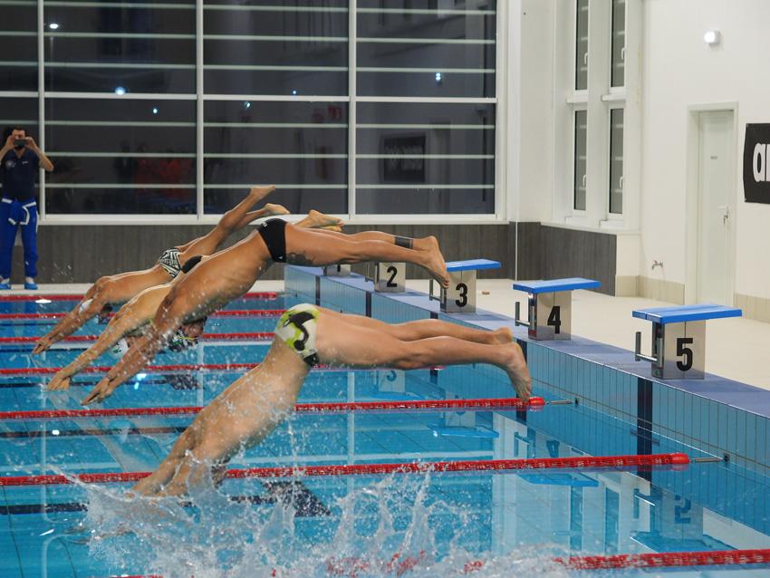 Con un tuffo di Magnini aperta a Pesaro la piscina Pentathlon