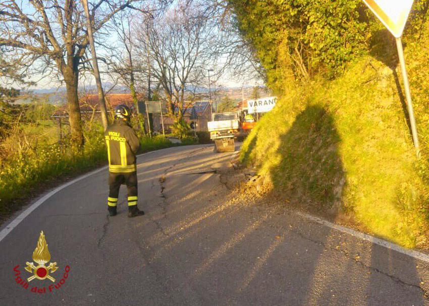 Fuga di gas a varano bloccata la strada provinciale del conero altrogiornalemarche - Tubo gas interrato ...