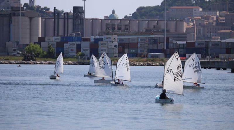 Passione per il mare e tanta amicizia: i velisti di ieri si sono ritrovati al porto turistico di Ancona