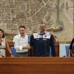 """A Pesaro il sindaco Ricci sigla un accordo con Italservice: """"Il PalaD di Campanara intitolato a Nino Pizza"""""""