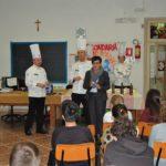 Quattro chef spiegano il valore della stagionalità in cucina a quattro classi della scuola media D'Azeglio di Ascoli Piceno