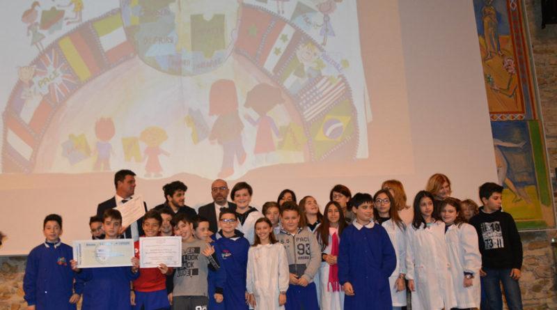 Quando la pace è volontariato, premiate ad Ancona le scuole di Civitanova, Senigallia, Macerata e Terre Roveresche