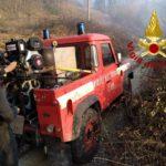 Due ettari di bosco in fiamme a Trisungo di Arquata del Tronto