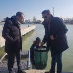 A Pesaro arriva il cestino che aspira la plastica dal mare
