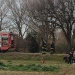 Sbalzata dall'auto finita fuori strada una donna perde la vita lungo la strada della Bruciata, a Cesano di Senigallia