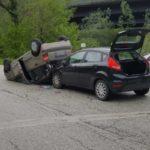 Un ferito a Fabriano in un incidente tra due auto lungo la ex Statale 76