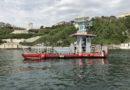 Il Pelikan in azione insieme ai sub per pulire i fondali del Passetto