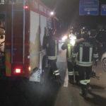 Schianto nella notte tra due auto lungo la Variante alla Statale 16: un ferito