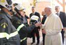 Papa Francesco elogia i vigili del fuoco per il grande impegno nelle zone terremotate