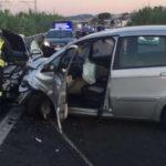 Schianto fra tre auto con sei feriti sulla Statale 16 alla periferia Sud di Ancona