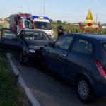 Schianto frontale tra due auto a Marcelli di Numana