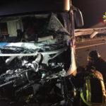 Un camper finisce contro il guardrail: quattro feriti e traffico in tilt sull'autostrada