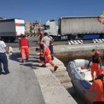 Ragazzo soccorso dai vigili del fuoco alla Grotta Azzurra e trasportato all'ospedale di Torrette
