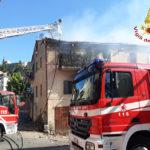 Appartamento devastato dalle fiamme a Castelnuovo di Recanati