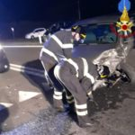 Schianto tra due auto con tre feriti lungo la Statale, a Castelfidardo